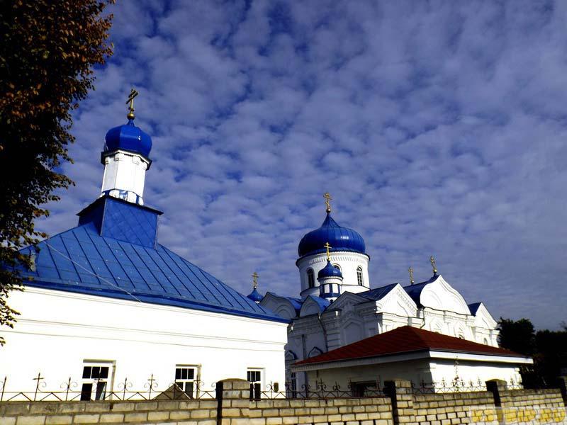 Борисо-Глебская церковь и Крестовоздвиженская церковь
