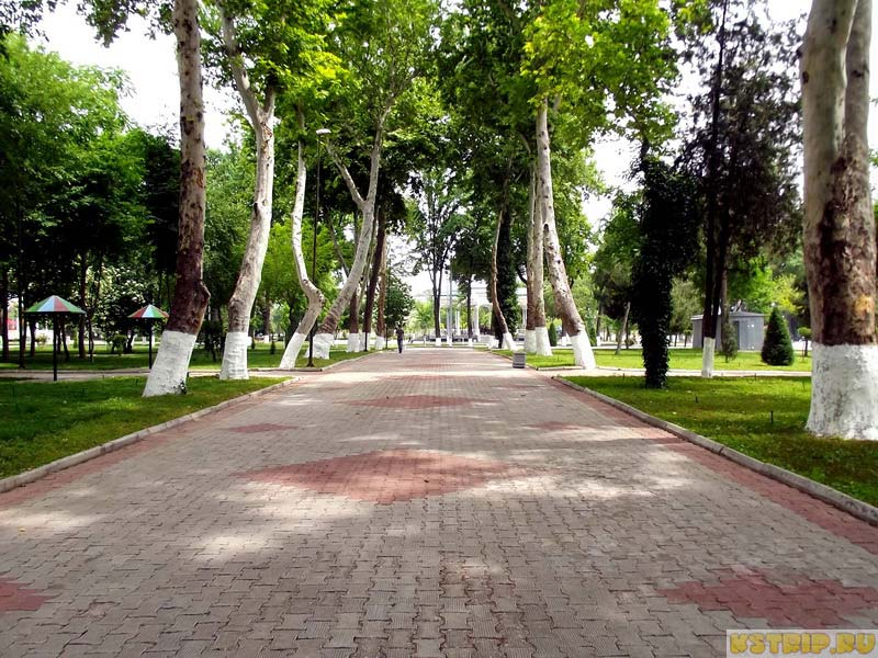 Аллея/бродвей в Ташкенте, Узбекистан