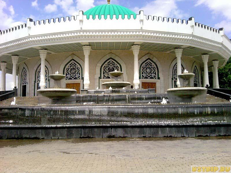 Музей истории Тимуридов с фонтаном