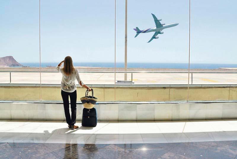 аэропорт, девушка, улетающий самолет