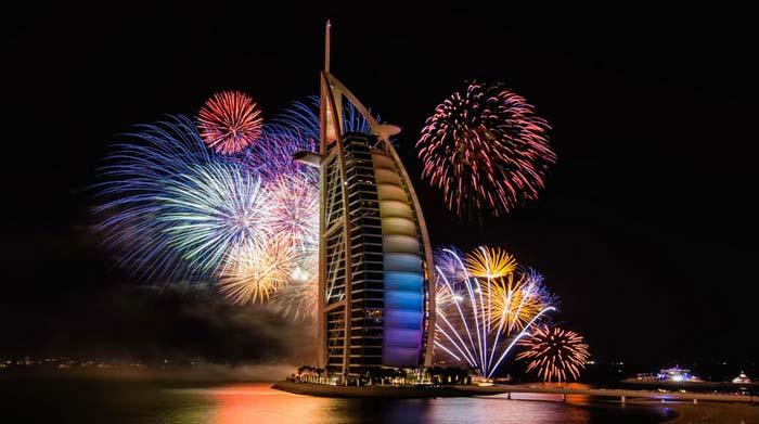 Салют на Новый год в Дубае