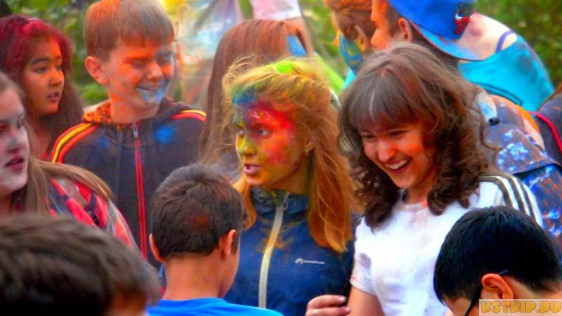 Фестиваль красок в Малоярославце