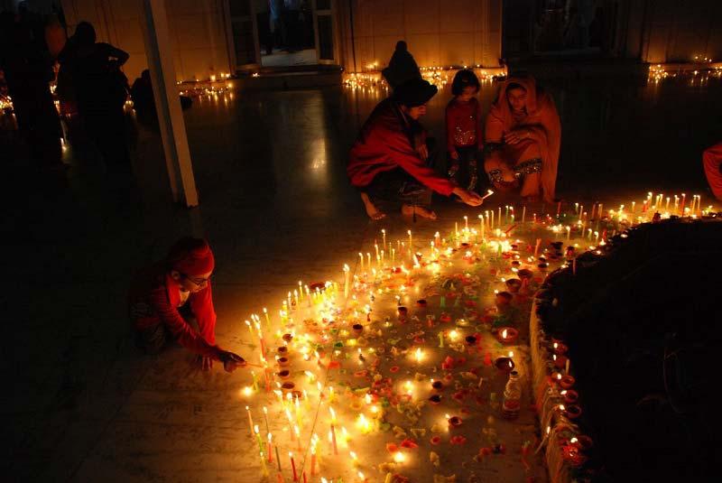 фестиваль света и огня в Индии
