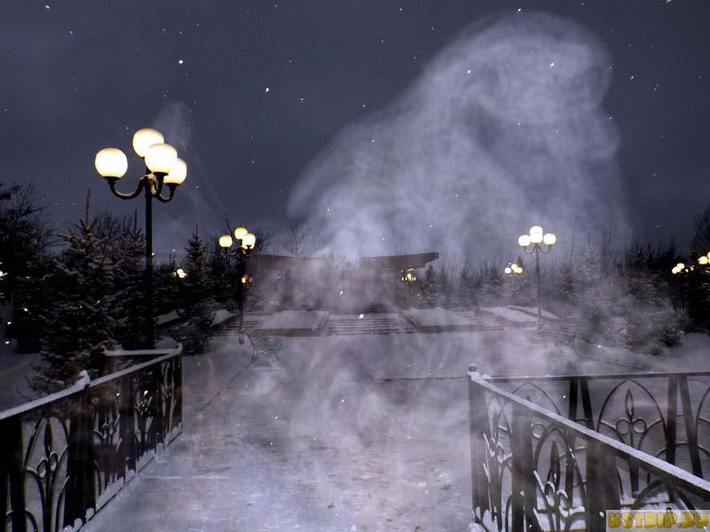 Парк Первого президента ночью, Алматы