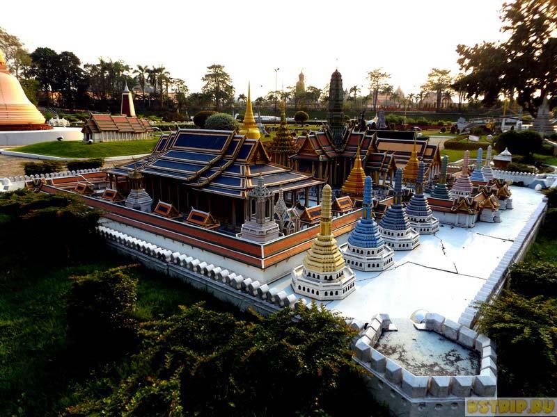Храм Изумрудного Будды в Бангкоке (The Royal Temple of The Emerald Buddha, Bangkok), Мини Сиам в Паттайе, Таиланд