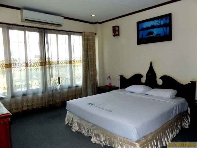 Отель Lane-Xang Hotel на берегу Меконга во Вьентьяне