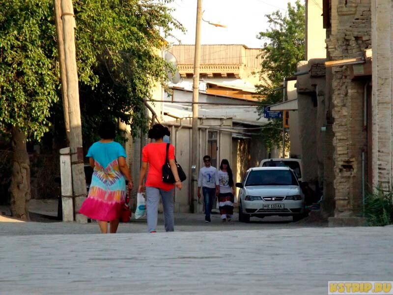 Как одеваются местные жители в Узбекистане