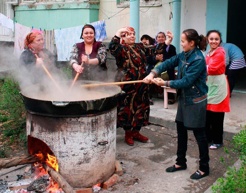 Сумаляк – праздничное блюдо узбекской кухни