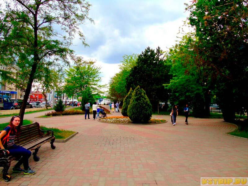 Сквер Гейдара Алиева в Астрахани и Мост дружбы России и Азербайджана + ночные фото