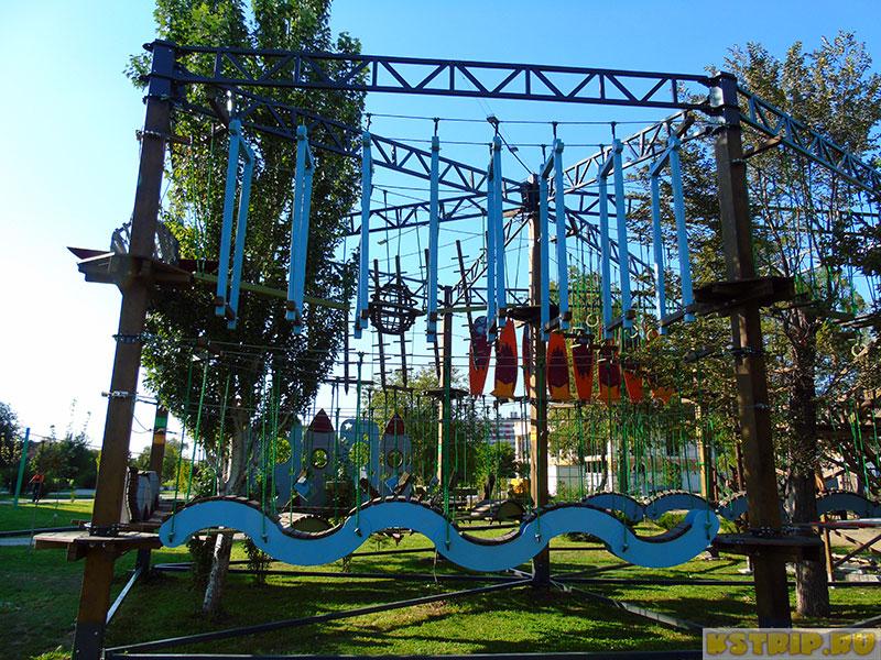 """Верёвочный парк """"Галактика"""" в Астрахани у Лебединого озера"""