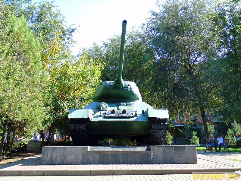 Сквер 60 лет Сталинградской битвы в Астрахани