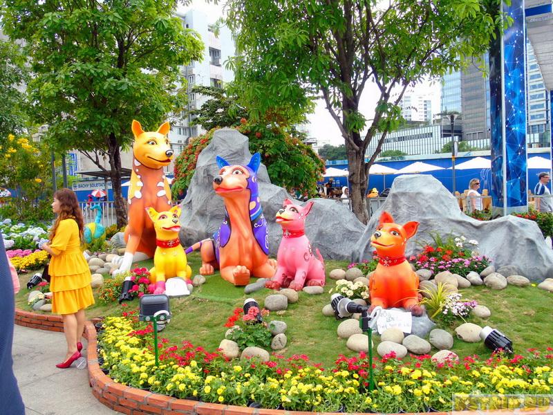 Площадь Хошимина: Городская ратуша, памятник Хо Ши Мину, Башня Bitexco