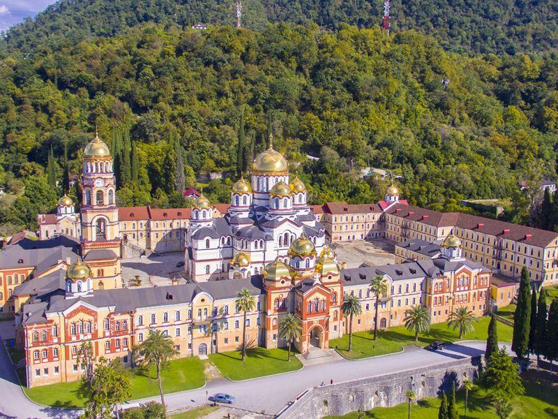 Экскурсии из Сочи: Православные святыни Абхазии