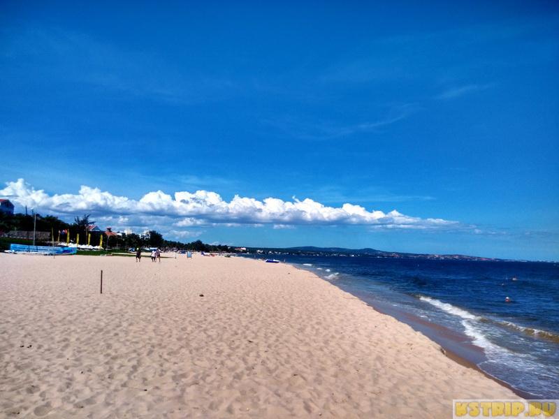 Море и пляж в Муйне в июне-июле