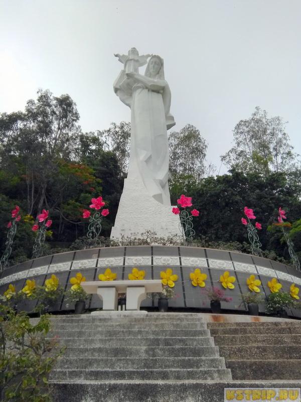 Статуя Девы Марии в Вунгтау и крест Христа - обязательны к посещению!