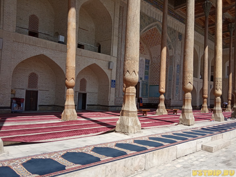 Комплекс Боло-хауз в Бухаре: мечеть Боло-хауз, минарет и хауз