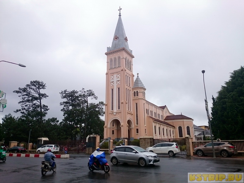Кафедральный собор Св. Николая в Далате