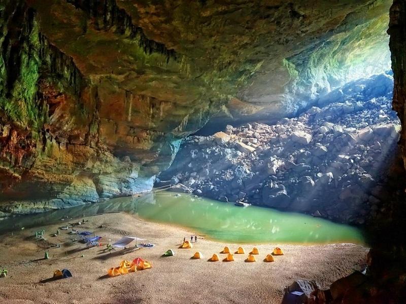 пещеры во Вьетнаме